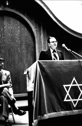 Henry Gershowitz (1925-1998) at the dedication of the 2000 Washtenaw building. He was president of the synagogue in 1970 and again from 1994-95.